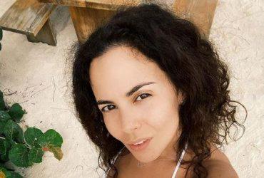 Nastya Kamens'kyx pozuvala v kryxitnomu bikini (foto)