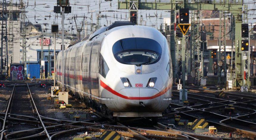 Гончарук назвав дату підписання дорожньої карти з німецьким Deutsche Bahn
