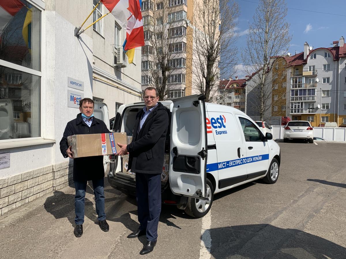 Глобальна поштово-логістична група компаній Meest доставила до Львова другу партію експрес-тестів на COVID-19