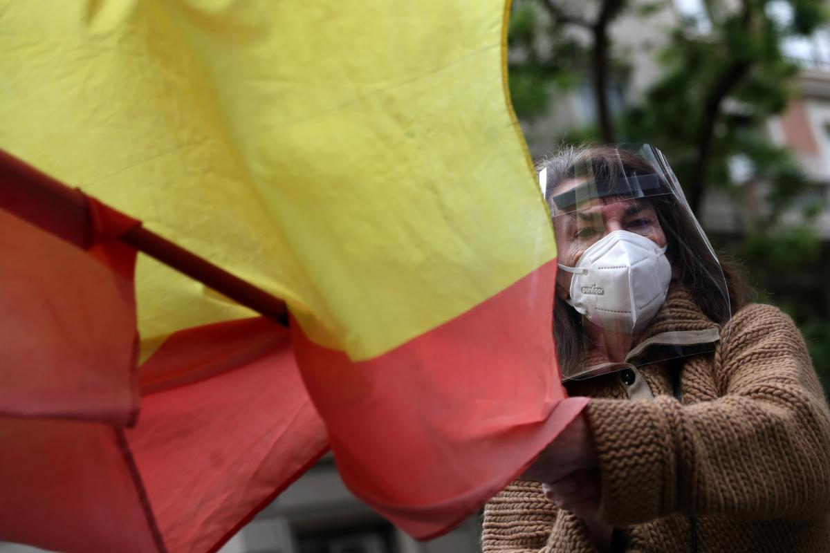 Коронавирус в мире — начальник генштаба Испании ушел в отставку