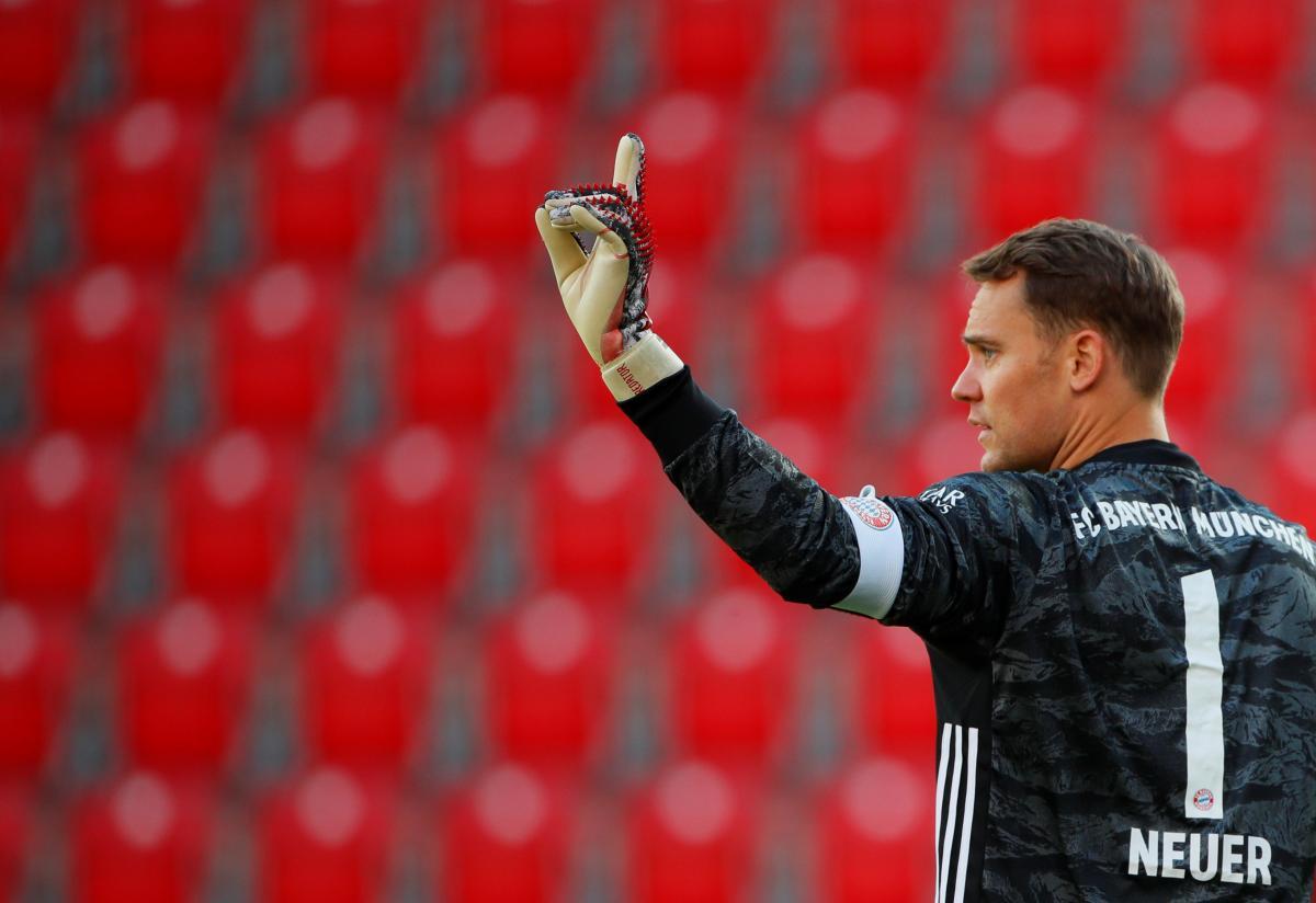 Мануэль Нойер — назван лучший футбольный вратарь десятилетия —