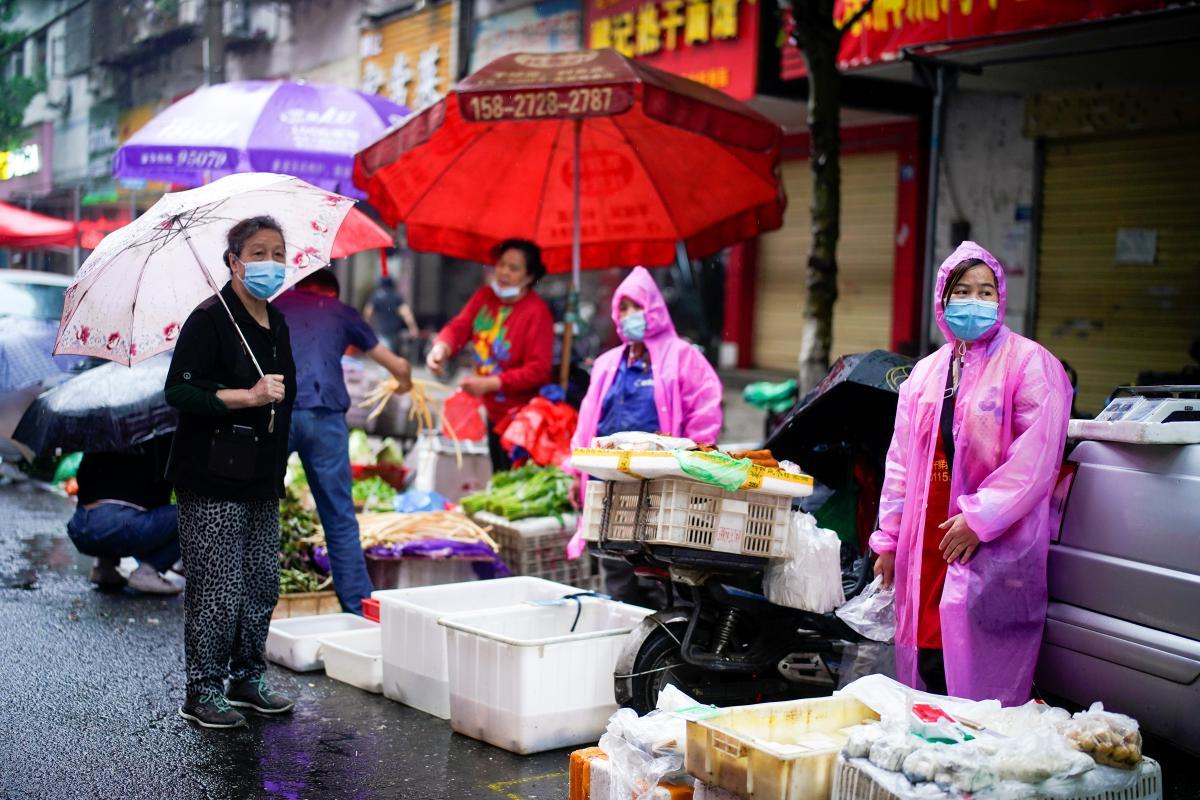 Коронавирус новости — Китай блокирует приезд экспертов, изучающих