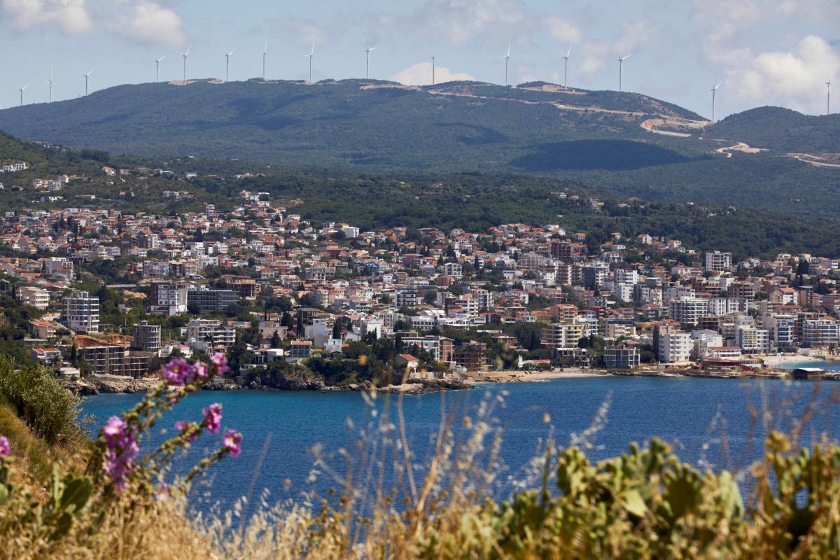 Черногория ввела комендантский час — новости —