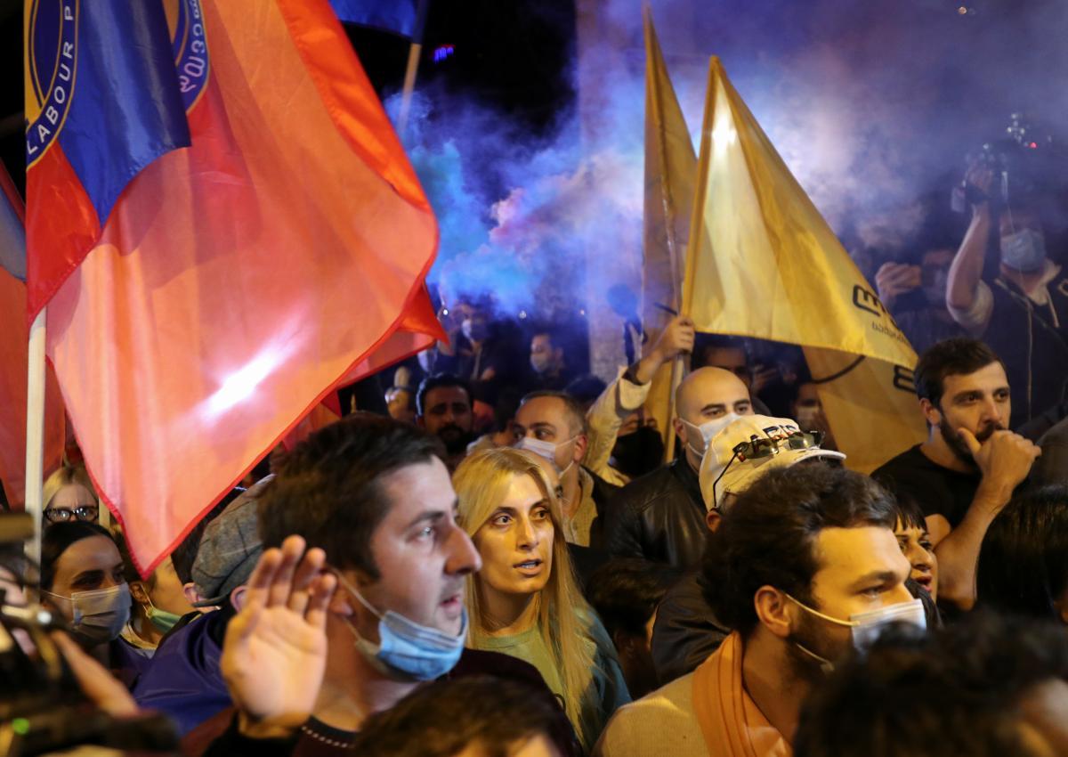 Выборы в Грузии - в стране расследует попытку свергнуть власть — Новости мира —