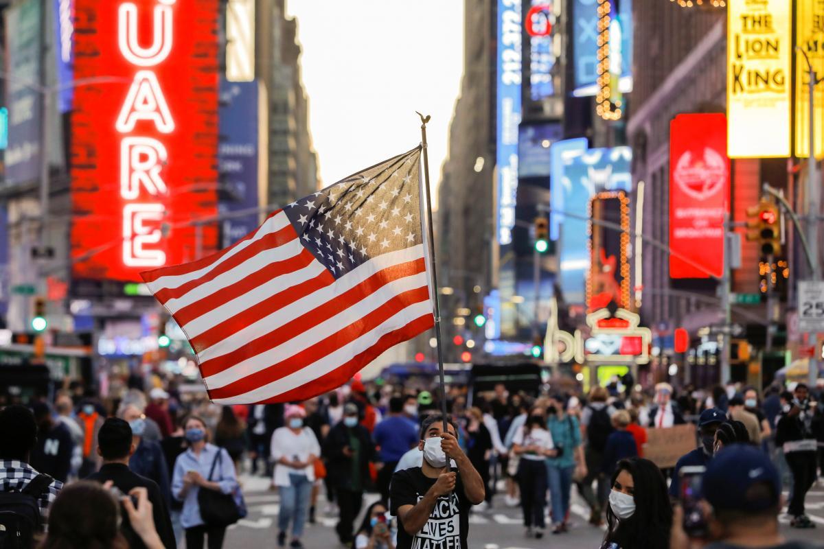 Розколоті Штати Америки — Новини світу — УНІАН