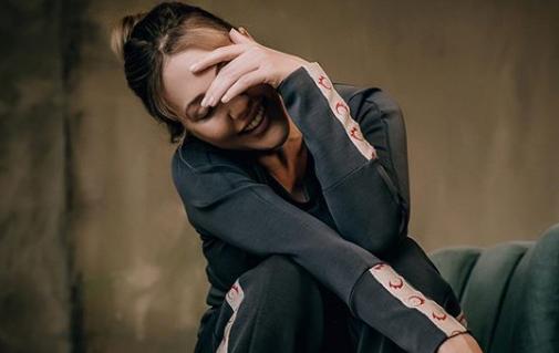 """Мерьем Узерли - помолодевшая звезда """"Великолепного века"""" предстала в """"осеннем"""" луке —"""