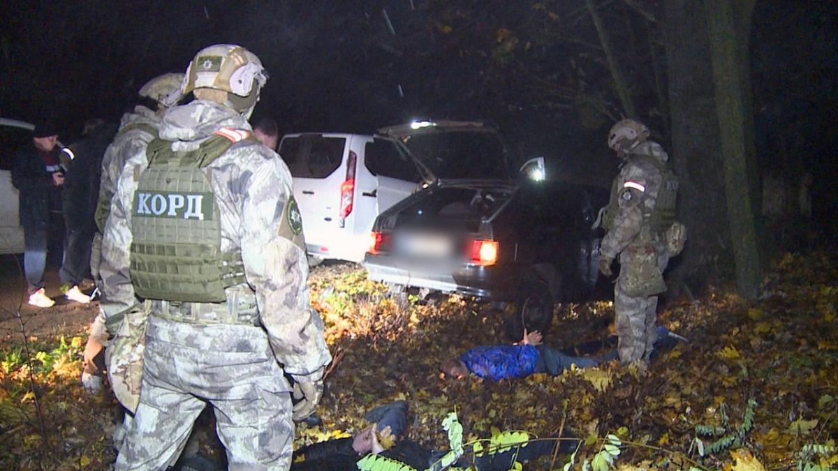 спецназовцы задержали банду похитителей двоих людей, фото — новости Украина —