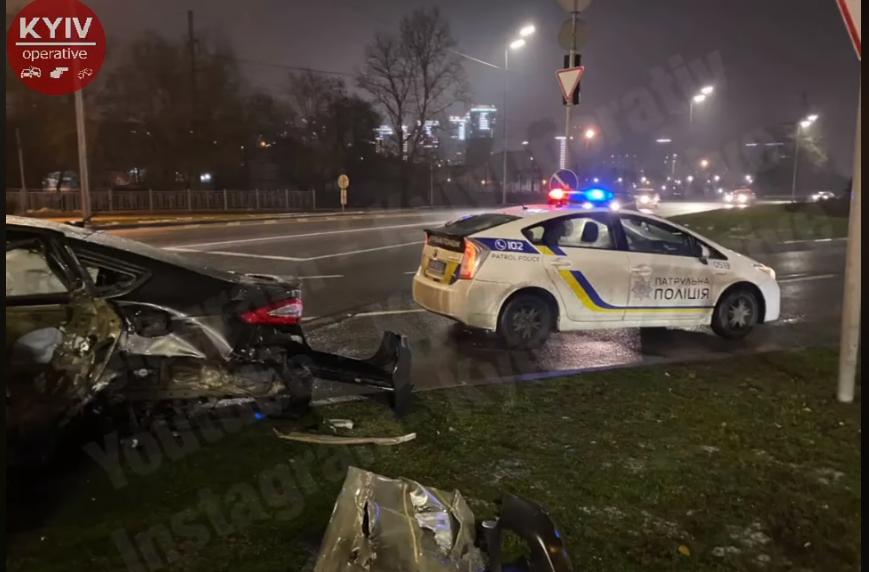 ДТП в Киеве - на Саперно-Слободской столкнулись два авто — Новости Киева