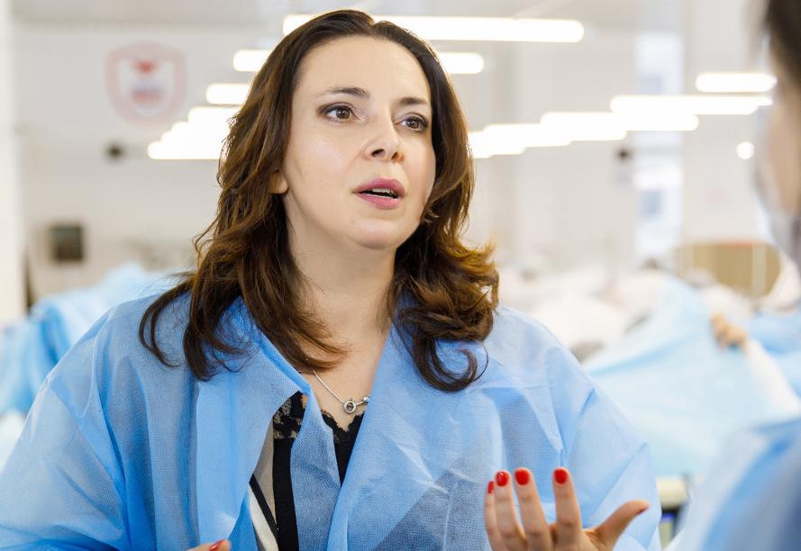 """Компания """"Венето"""" в Черкассах показала инновационное производство средств индивидуальной защиты для медиков"""