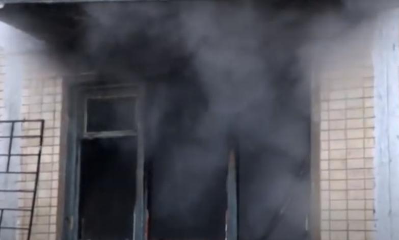 1607256921 8176 - В Киеве во время пожара в пятиэтажке получили травмы три человека, 30