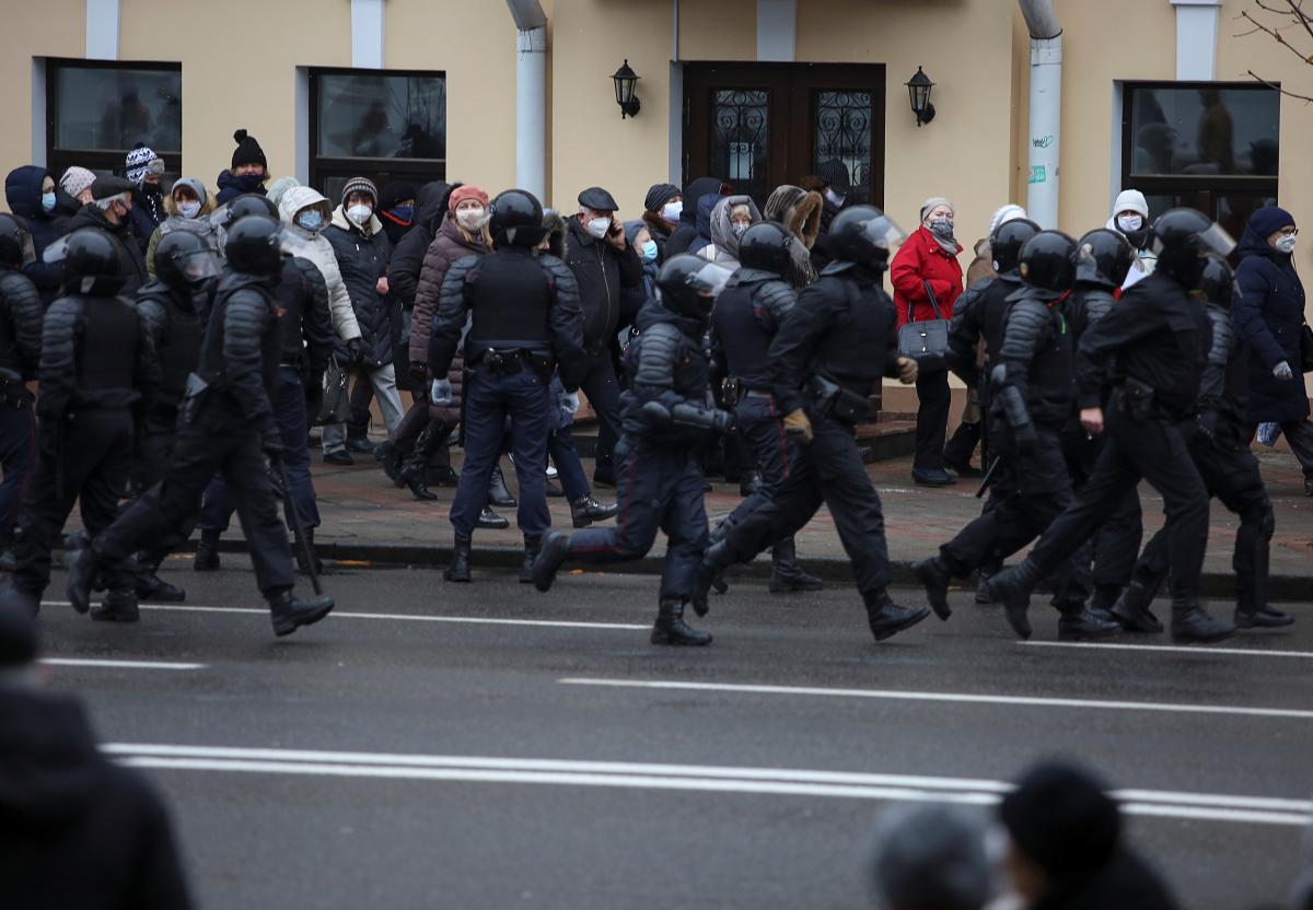 1607284886 7157 - События в Беларуси - на акциях протеста уже задержали более 300 человек — Новости мира