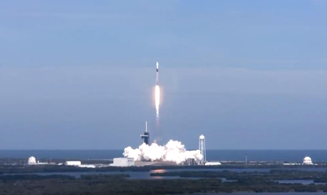 1607287761 9016 - SpaceX запустила на МКС обновленный грузовой корабль Crew Dragon