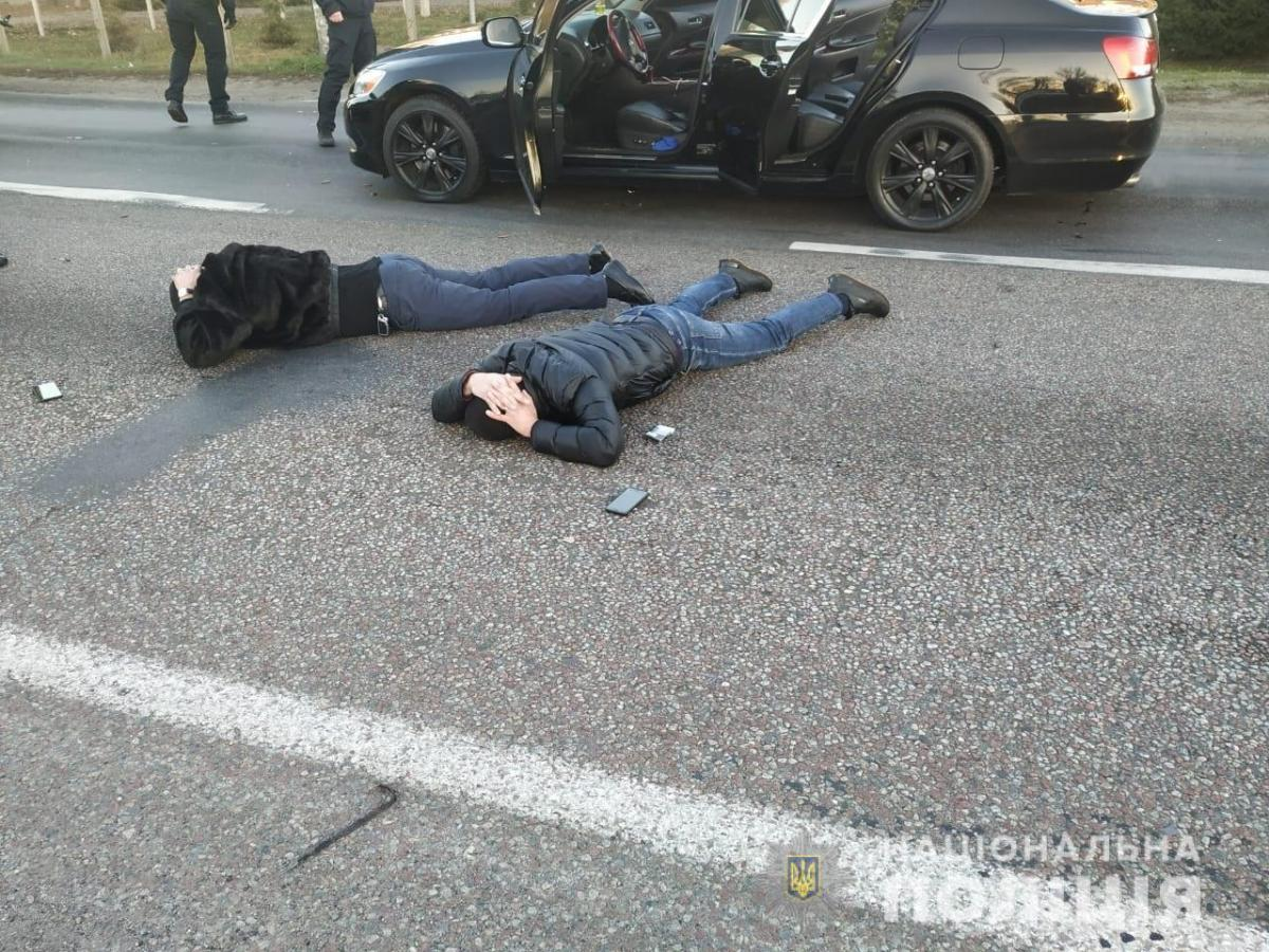1607295613 9475 - Оборот наркотиков - полиция задержали банду наркоторговцев с оружием