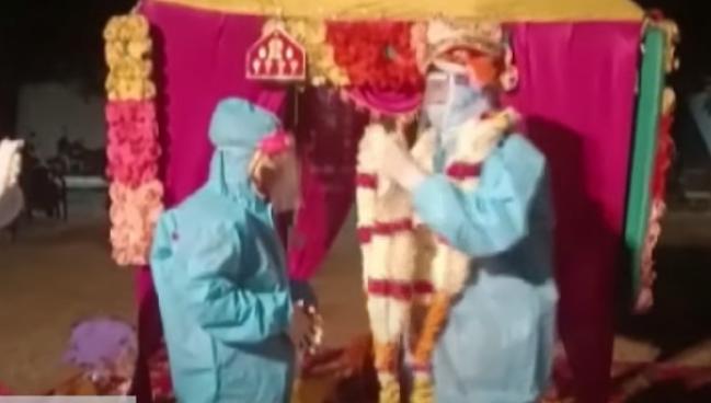 1607363696 7868 - Курьезы - пара из Индии перехитрила коронавирус и провела свадьбу