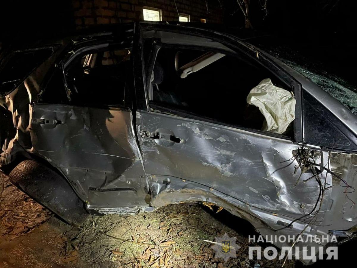В Харьковской области пьяный сотрудник автосервиса угнал Lexus клиентки и попал в аварию