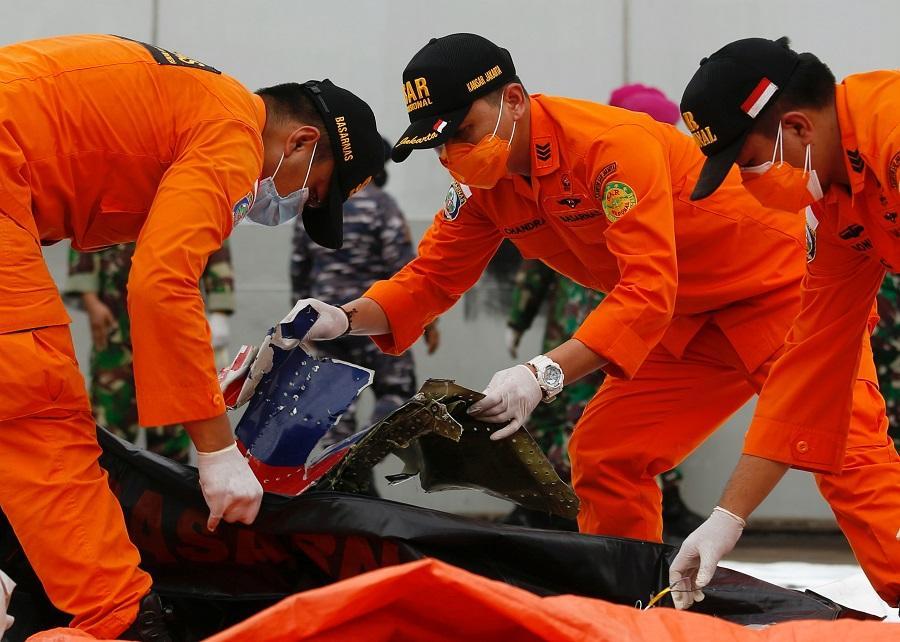 обнаружены черные ящики разбившегося самолета — Новости мира —