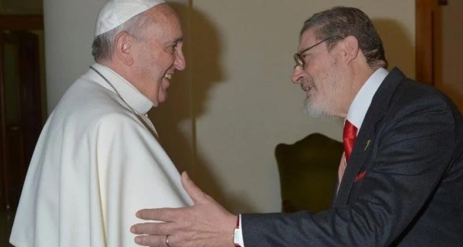 Личный врач Папы Римского умер от осложнений, вызванных COVID-19