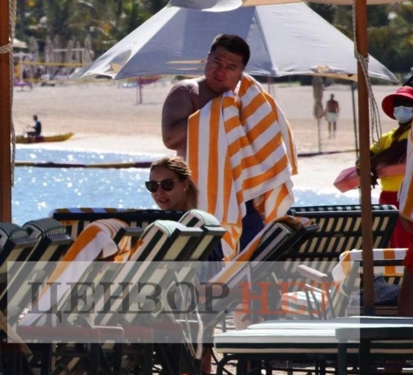 Появились фото отстраненного главы КСУ Тупицкого на отдыхе в Дубае