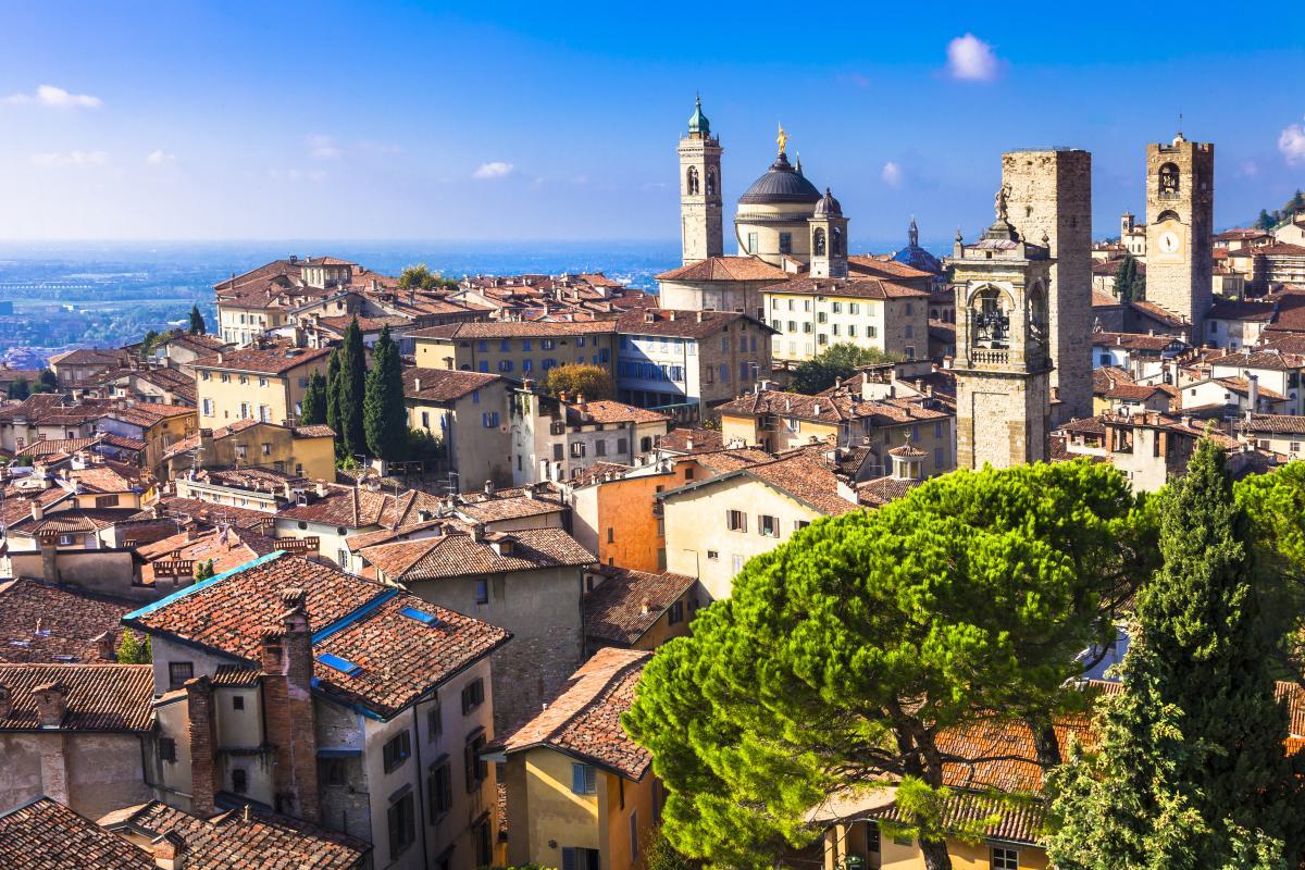 SkyUp с мая запустит два новых рейса из Украины в Италию