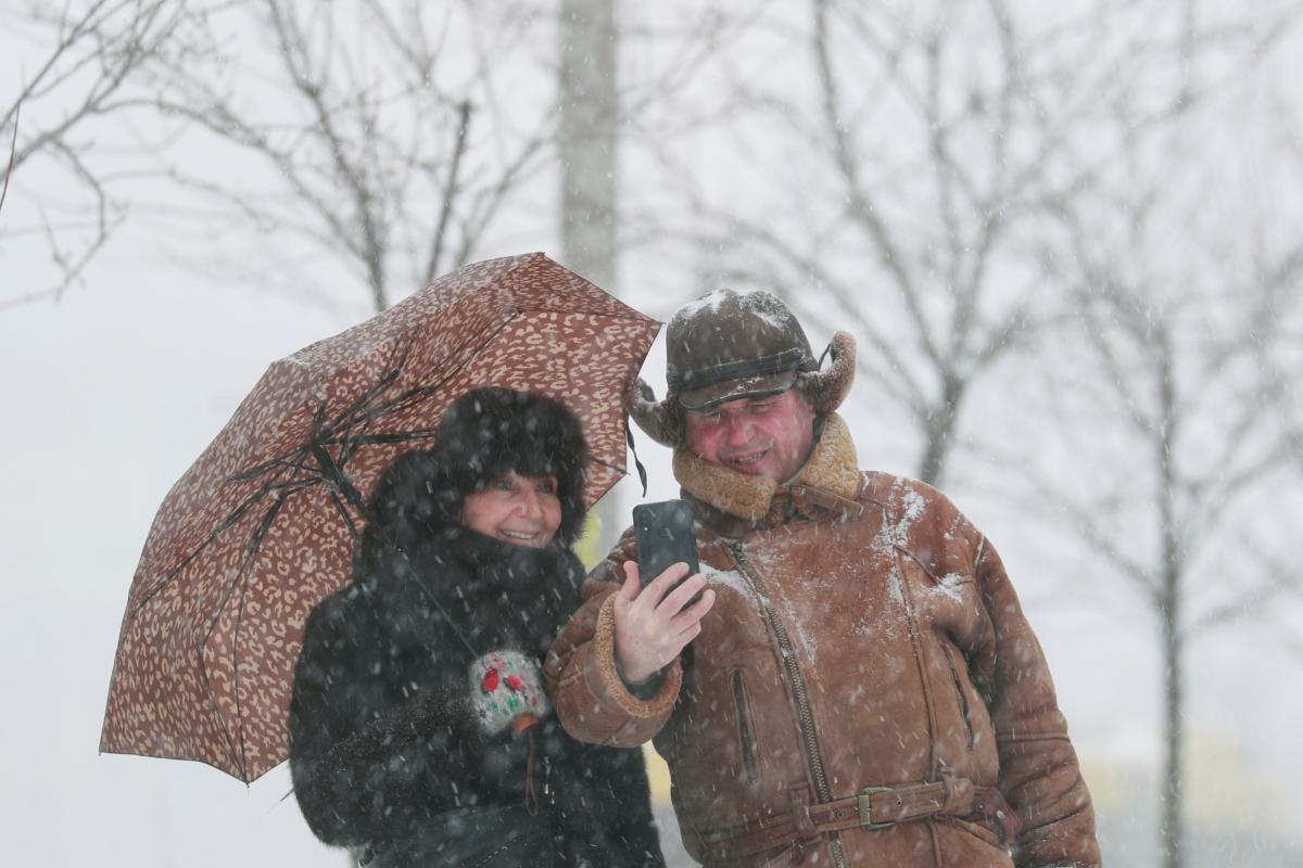 Главные новости Украины 10 февраля: столкновение Нацкорпуса с титушками и ранение бойца на Донбассе