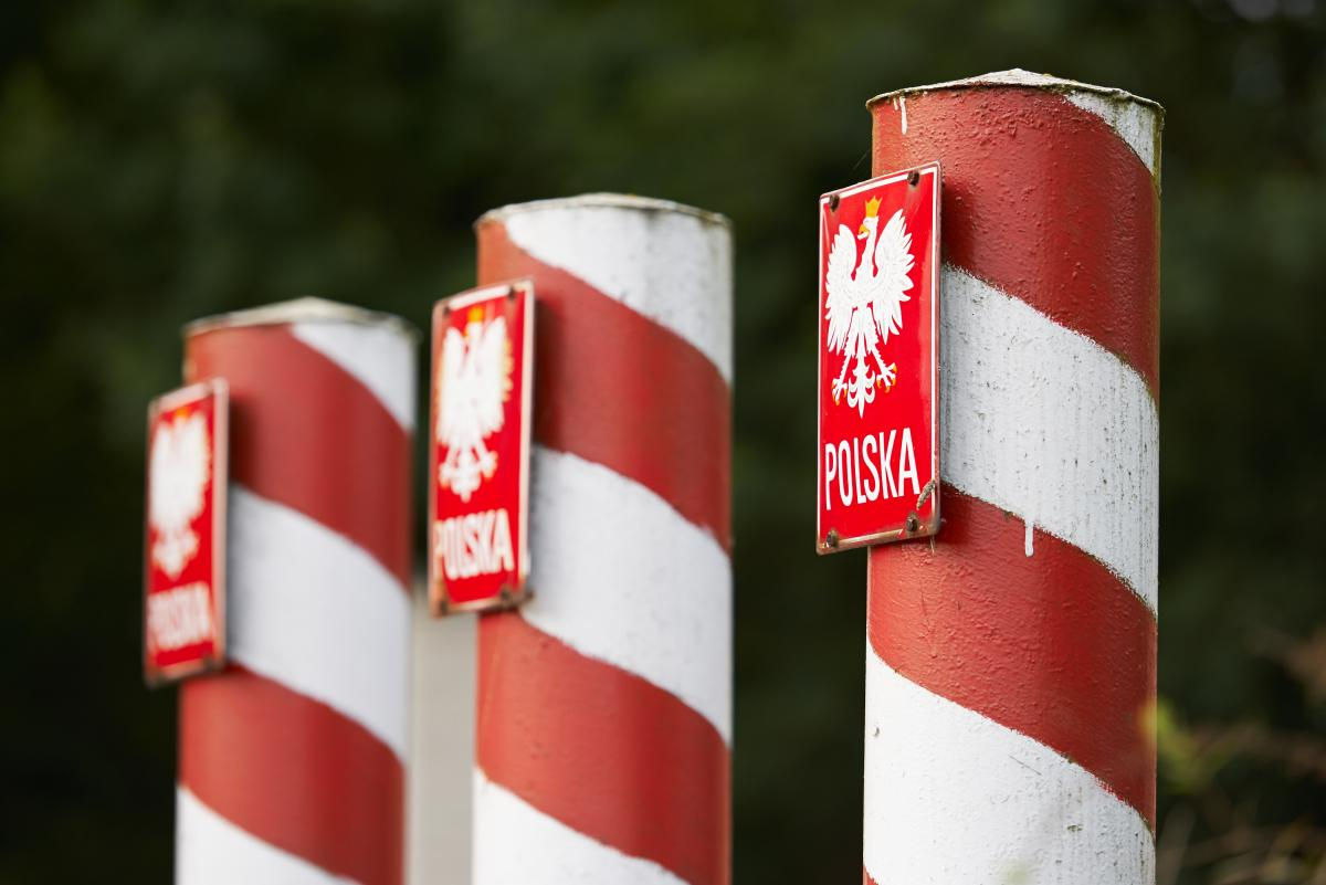 На границе с Польшей застряли около 300 автомобилей