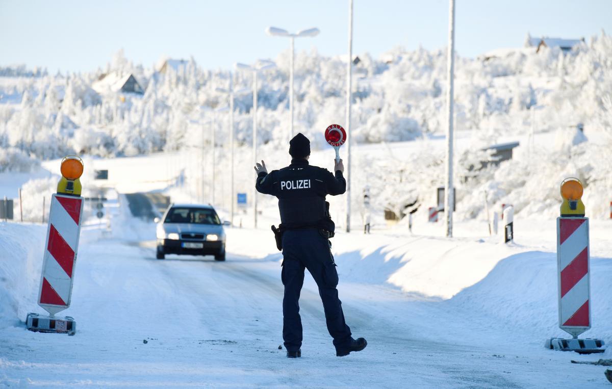 Германия продлила ограничения на границах несмотря на критику Еврокомиссии