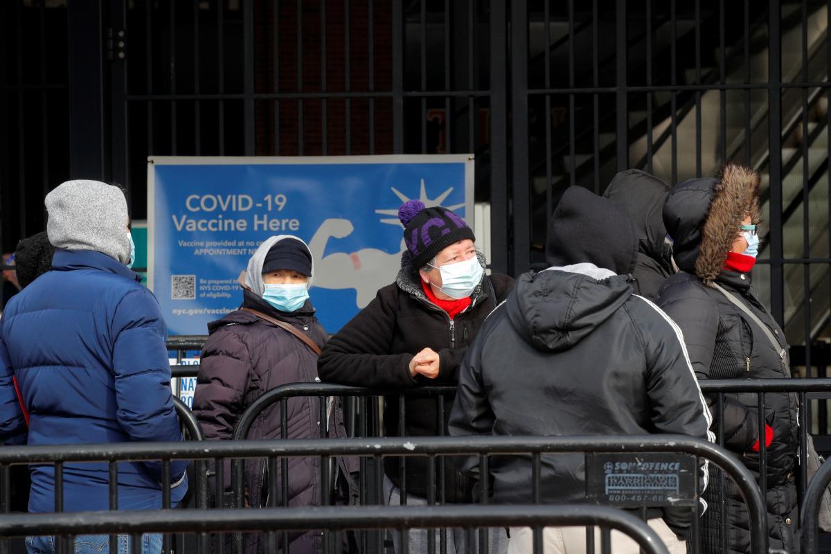 Прогноз эпидемии — в США сказали, когда можно будет снять маски —