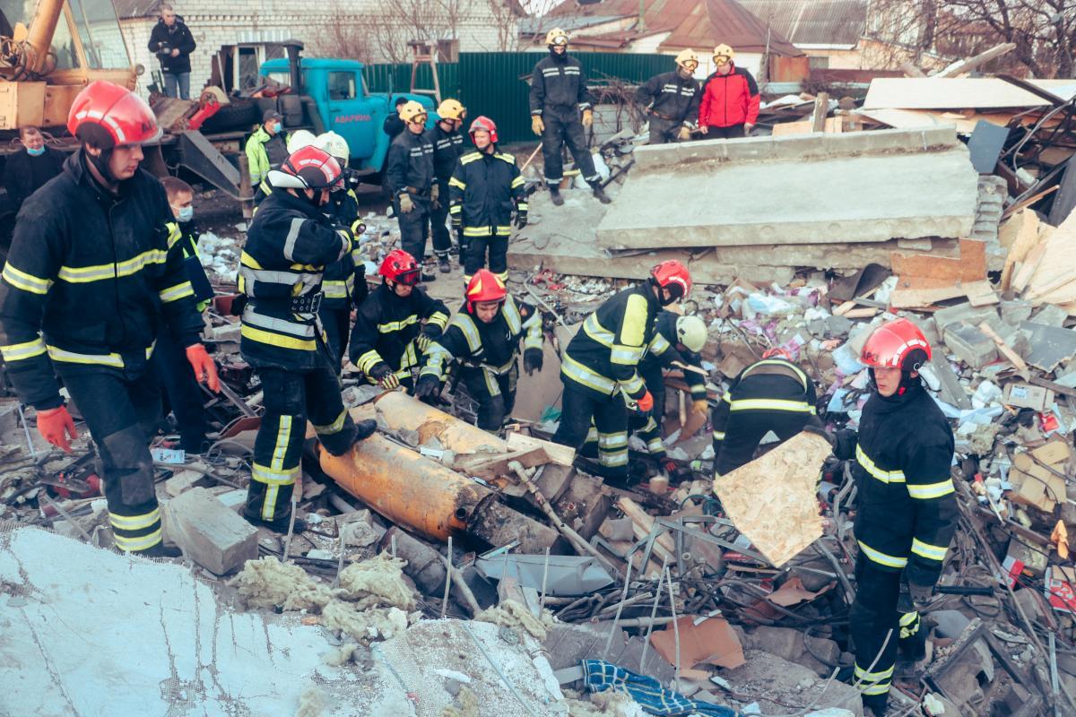 Взрыв в Киеве — появилось видео взрыва двухэтажного гаража в