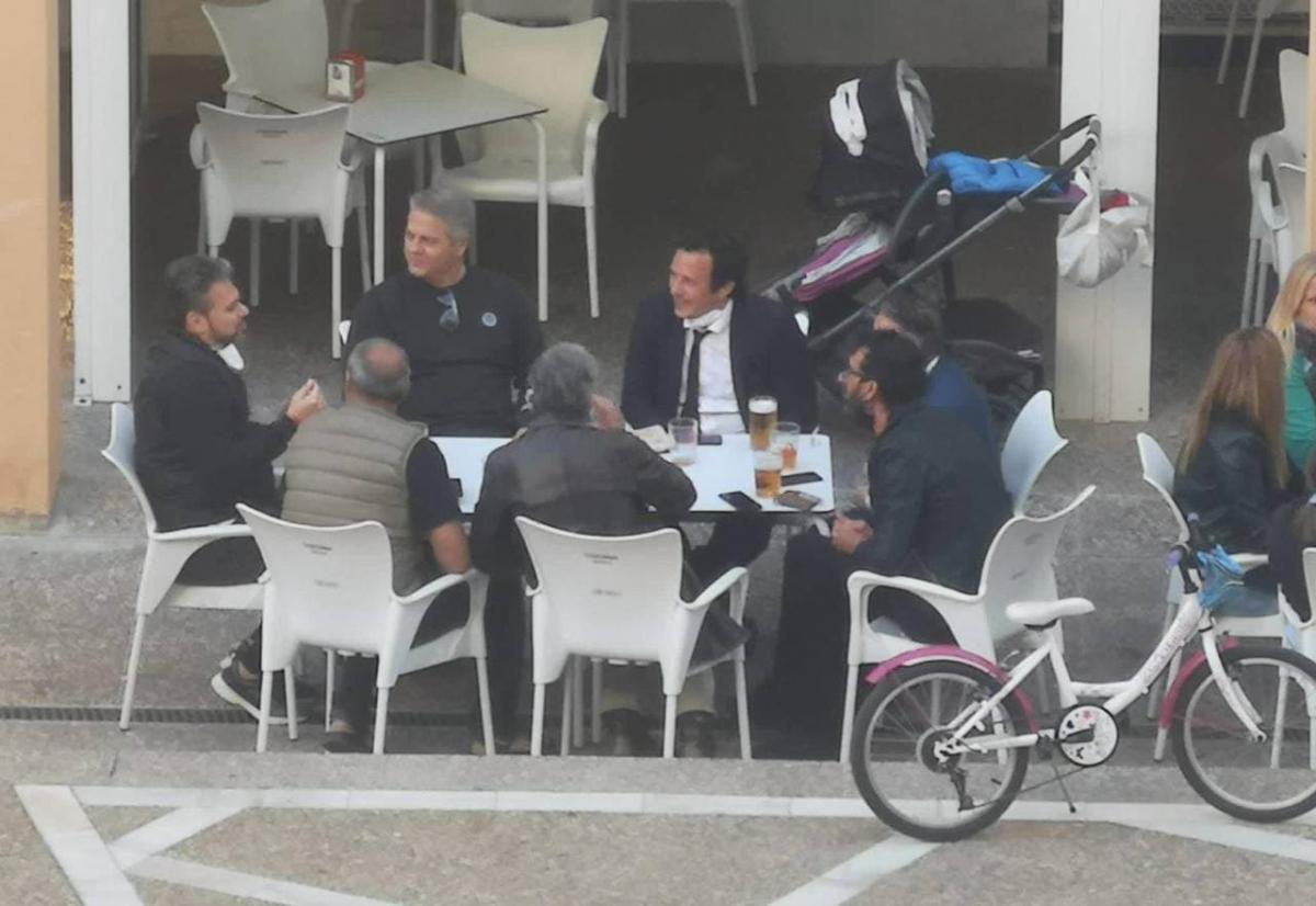 Коронавирус в Испании — мэр Кадиса нарушил коронавирусные
