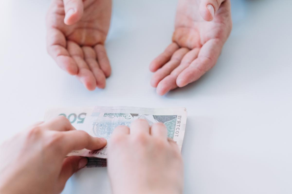В Киеве адвокат выманил у клиента 400 тысяч гривень
