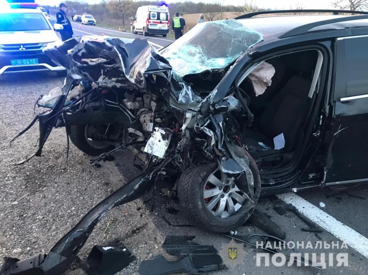 На Закарпатье в ДТП погибли три человека: среди них был полицейский
