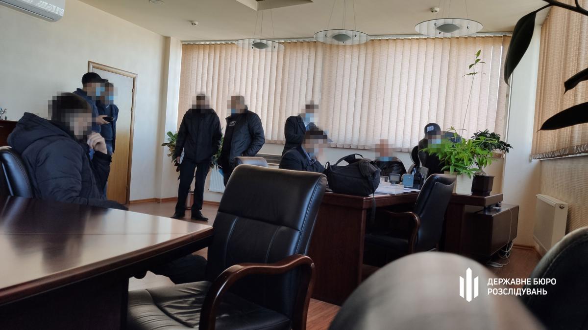 ГБР раскрыло подробности обысков в Кузнице на Рыбальском и Богдан Моторс