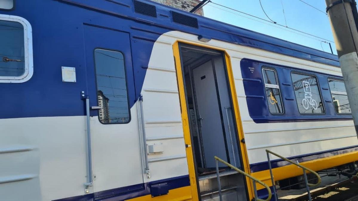 Укрзализныця запускает электричку с вагонами для перевозки велосипедов
