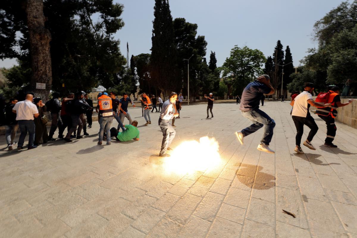 На Храмовой горе в Иерусалиме произошли столкновения между палестинцами и полицией Израиля