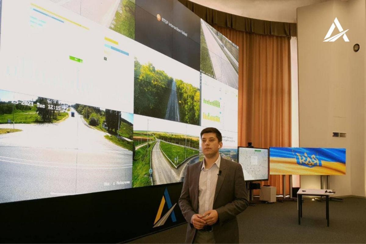 Команда Большой стройки Зеленского представила систему жесткого контроля за состоянием дорог