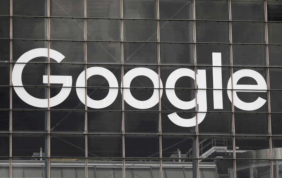 Зеленский подписал закон о налоге на Google