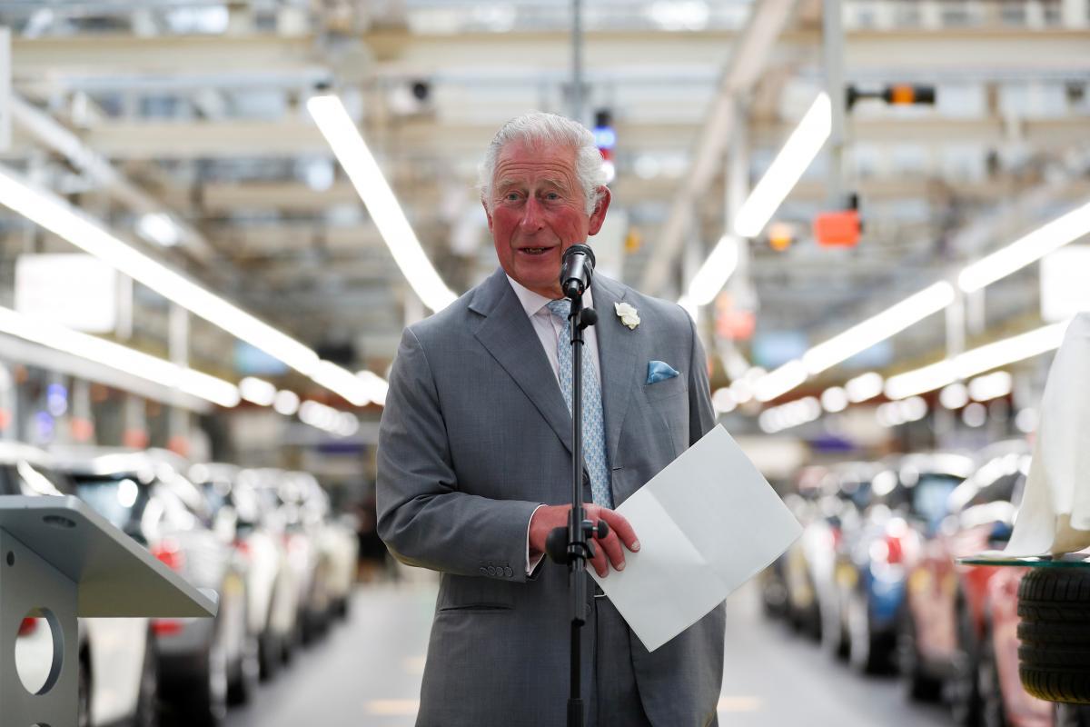 Счастливый дедушка: принц Чарльз впервые публично прокомментировал рождение дочери Меган Маркл и принца Гарри