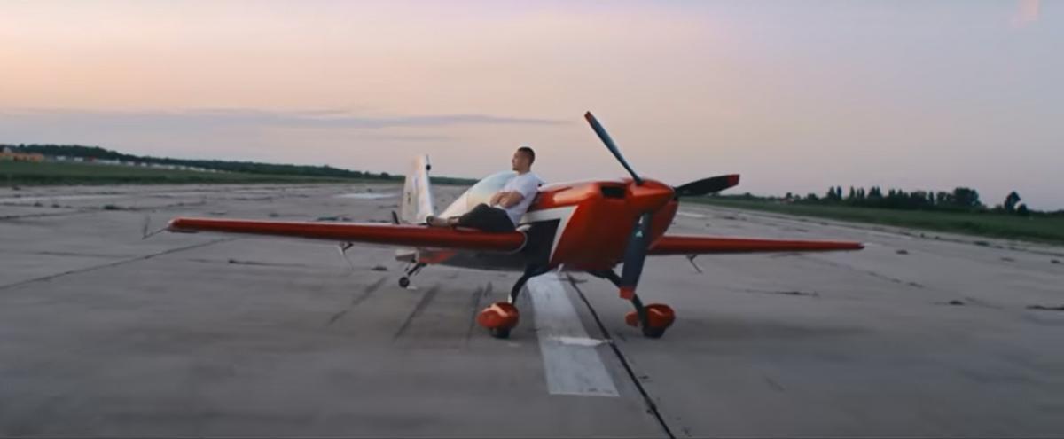 Украинский летчик-ас Тимур Фаткуллин: Планируем экспортировать наши шоу в Китай и в другие страны