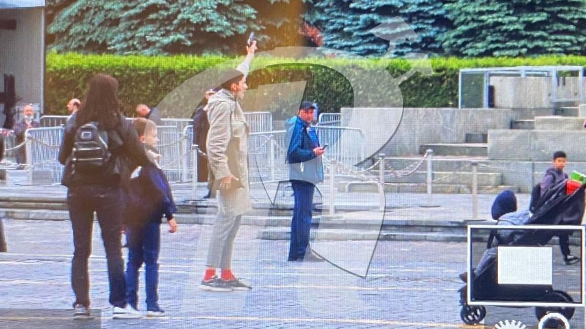 Российский акционист выстрелил себе в голову на Красной площади