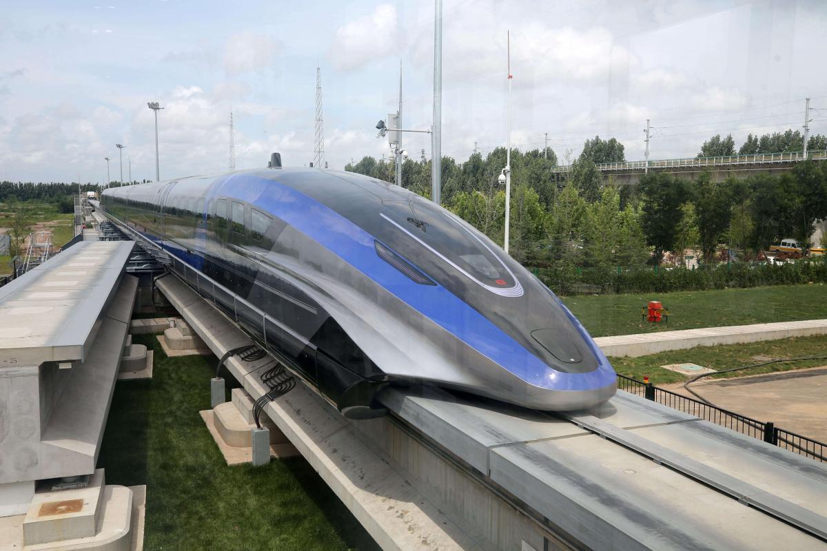 В Китае продемонстрировали быстрейший в мире поезд на магнитной подушке