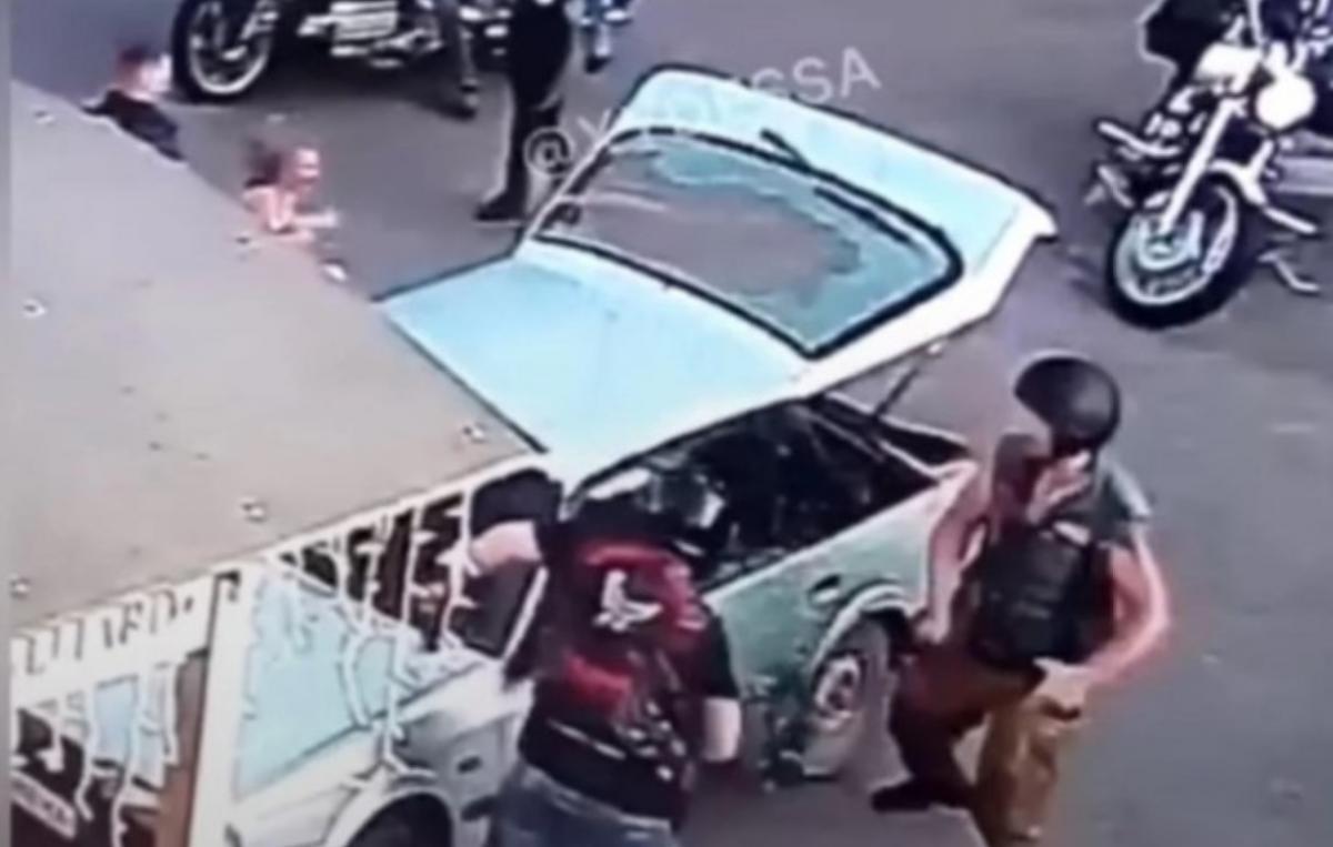 Объявлены подозрения байкерам, избившим цепями молодую пару в Черкассах