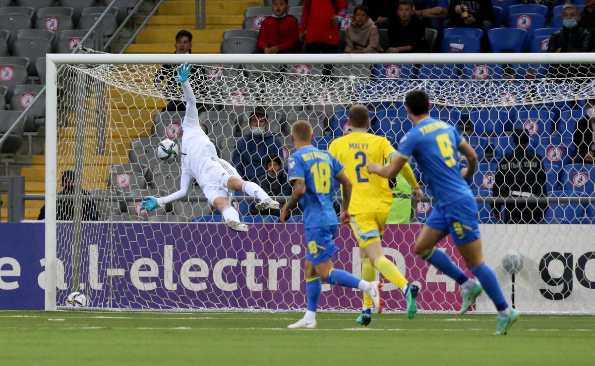 Форвард сборной Украины Яремчук назвал результат матча с Казахстаном катастрофой