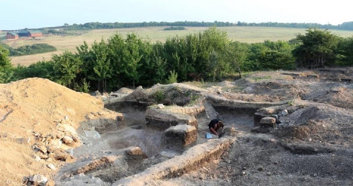 Оккупанты в Крыму раскопали редкую коллекцию древних украшений