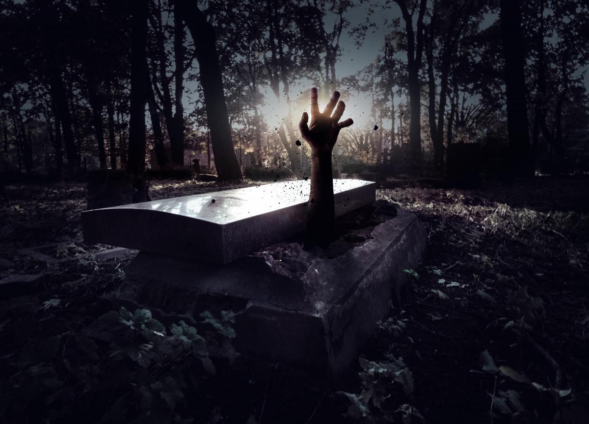 Похороненные заживо. Почему украинцам приходится доказывать в судах, что их смерть - ошибка