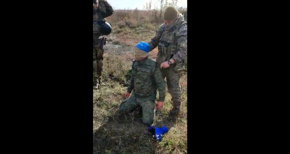 Маскировался под сотрудника СЦКК: в сети показали видео задержания боевика на Донбассе