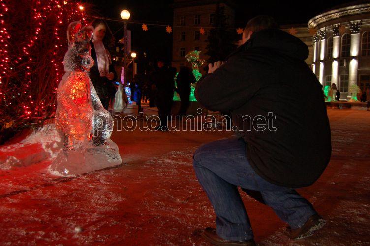 Christmas Festival Of Ice.Photo Kryzhtal Festival Of Ice Sculptures Unian