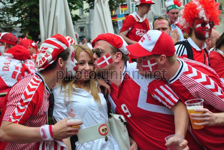Photo Fans of Denmark national football team - UNIAN