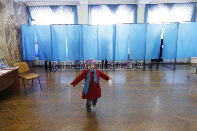 В Бахмуте проголосовала 15-летняя девушка - Цензор.НЕТ 4289
