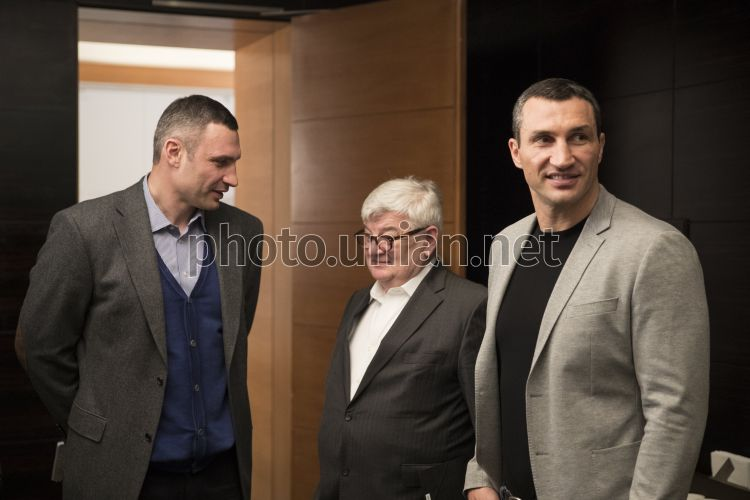 Photo Vitali Klitschko, Joshka Fisher and Wladimir Klitschko