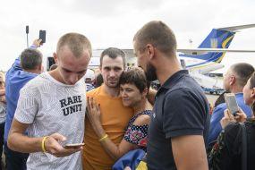 Українські політв'язні повернулися в Україну з Росії в рамках обміну